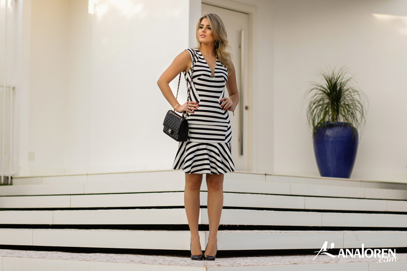Marina Casemiro,vestido, stripes, analoren, look, decote nas costas, babado, bolsa chanel-12