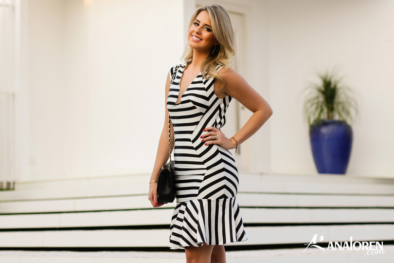 Marina Casemiro,vestido, stripes, analoren, look, decote nas costas, babado, bolsa chanel-14