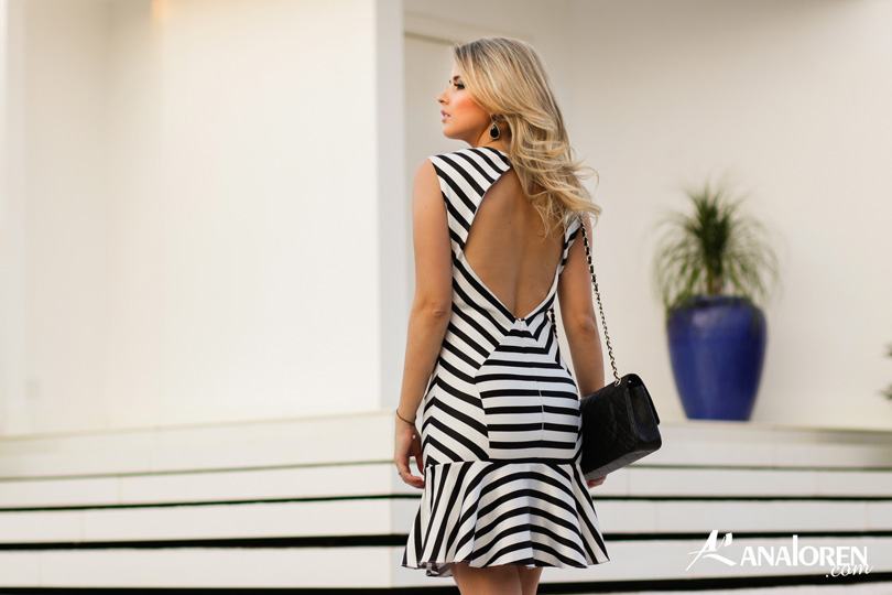 Marina Casemiro,vestido, stripes, analoren, look, decote nas costas, babado, bolsa chanel-2