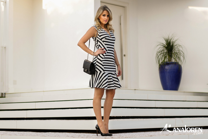 Marina Casemiro,vestido, stripes, analoren, look, decote nas costas, babado, bolsa chanel-4