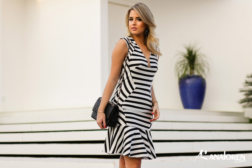 Marina Casemiro,vestido, stripes, analoren, look, decote nas costas, babado, bolsa chanel-6